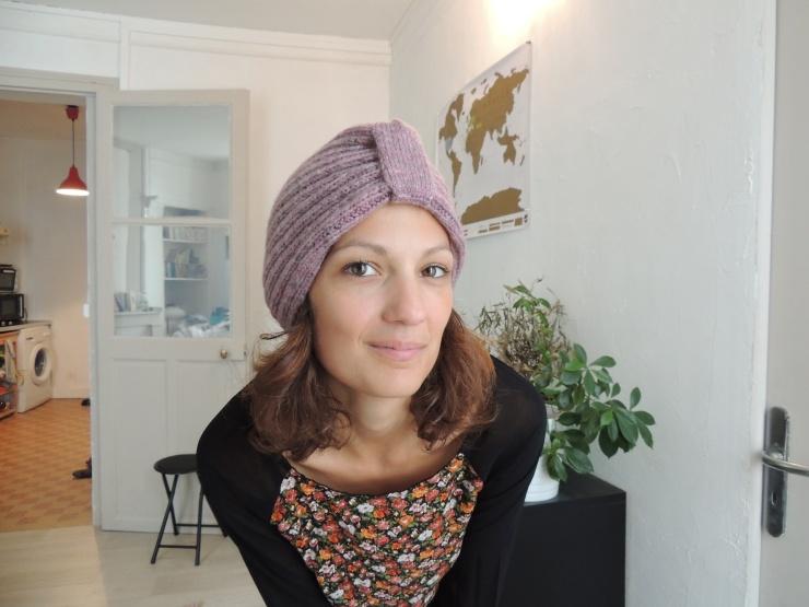 bonnet edith piaf devant