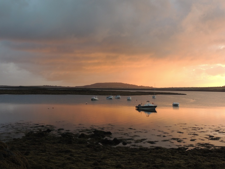 sunrise-boats-ireland-low-tide-lever-soleil-irlande-maree-basse-bateau