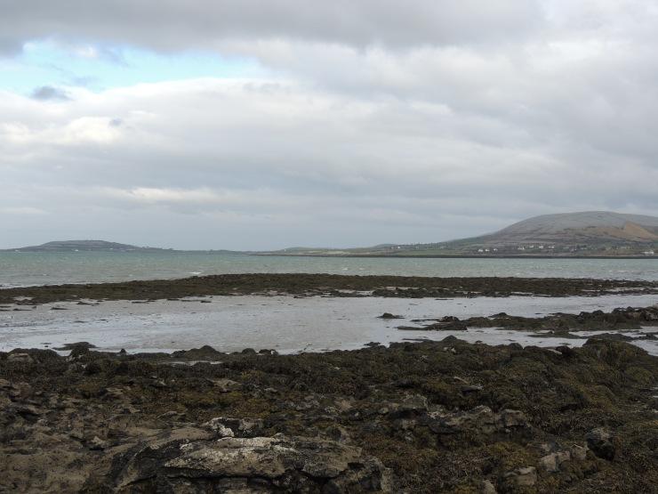 county-clare-ballyaughan-irlande-pierre-mer-atlantic-wild-way