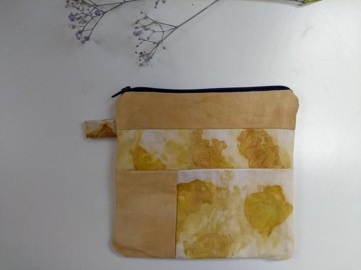 pochette cousu main tissus teinture végétale naturelle plantes écoprint impression végétale oignon artisanal sionnach yarns (2)