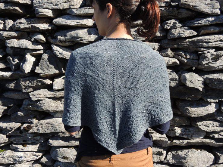 châle syrma patron français anglais lilofil sionnach yarn fingering teinture végétale laine teinte main irlande bois de campêche (2)